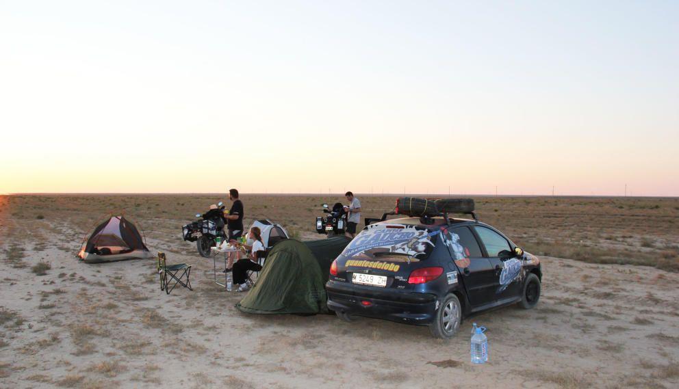 Al alba en las estepas de Mongolia